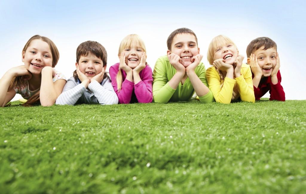 kids-on-grass-2